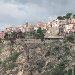 タオルミーナのパノラマが素晴らしい!城塞都市「カステルモーラ」