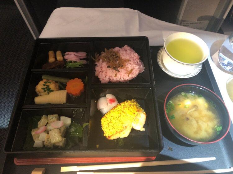 SQ655便ビジネスクラスの機内食 京都の老舗料亭 菊乃井の「花恋暦」