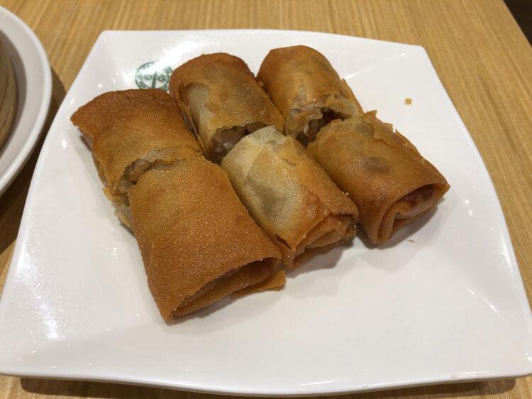 鶏の揚げ春巻き@ティム・ホー・ワン シンガポール CITLYLINK店