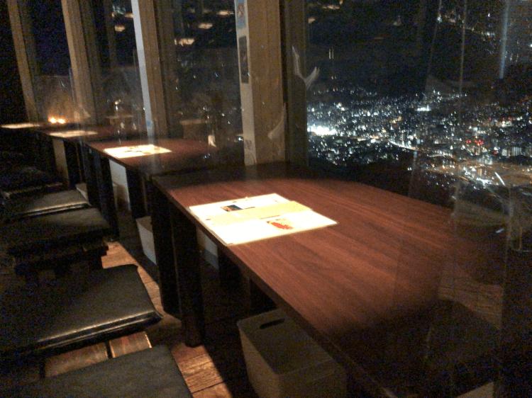 ひかりのレストランの座席